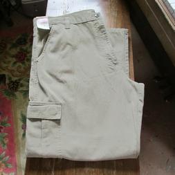 Wrangler Authentics Men's Classic Cargo Pant, Khaki Twill, 4