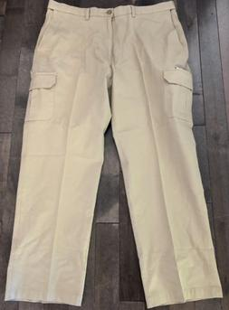 HAGGAR Classic Fit Stretch Cargo Pants 42W x 32L Khaki Expan