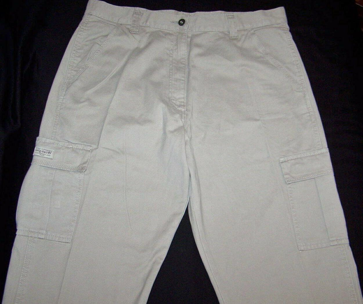 Men's Wrangler Khaki Fit Tech