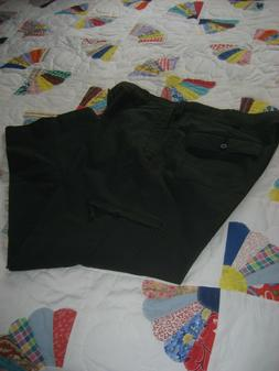 NWOT MEN'S D3 CLASSIC FIT FLAT FRONT FLAT BLACK DOCKERS CARG